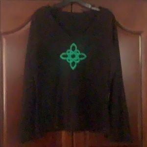 🍀🍀Celtic knot embroidered top🍀🍀